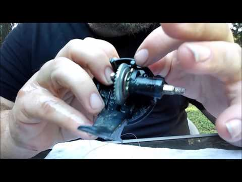 How to maintain a spincast fishing reel