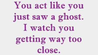 Ghost - Fefe Dobson - Lyrics