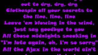Gambar cover Carrie Underwood Dirty Laundry Lyrics