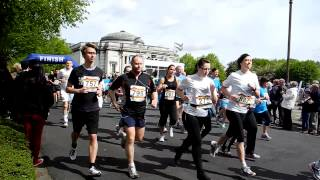 preview picture of video 'Port Sunlight 10 k run 2012 The Start'