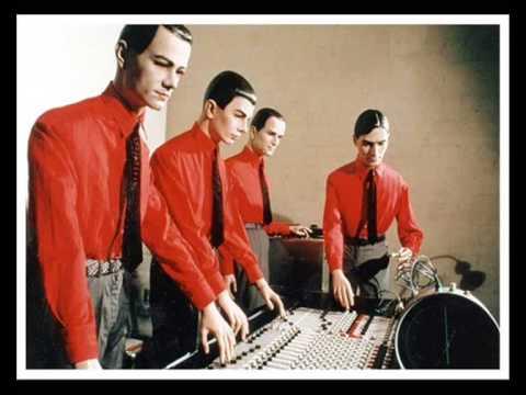 Spiegelsaal (Song) by Kraftwerk