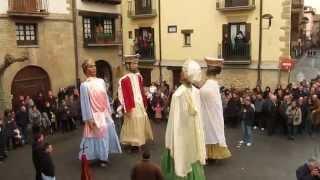 preview picture of video 'Jota Vieja, Gigantes de Sangüesa, Día de San Sebastián 2014'