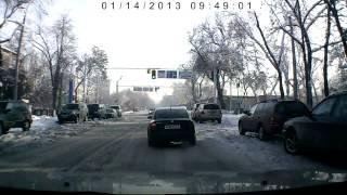 беспредел водителей в Алматы - плевать на правила.