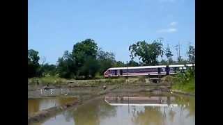 preview picture of video 'DEYATA KIRULA train through Rajarata Agri Faculty.MP4'