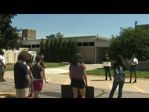 Students hold rally for teen sent to juvenile detention for not finishing school work