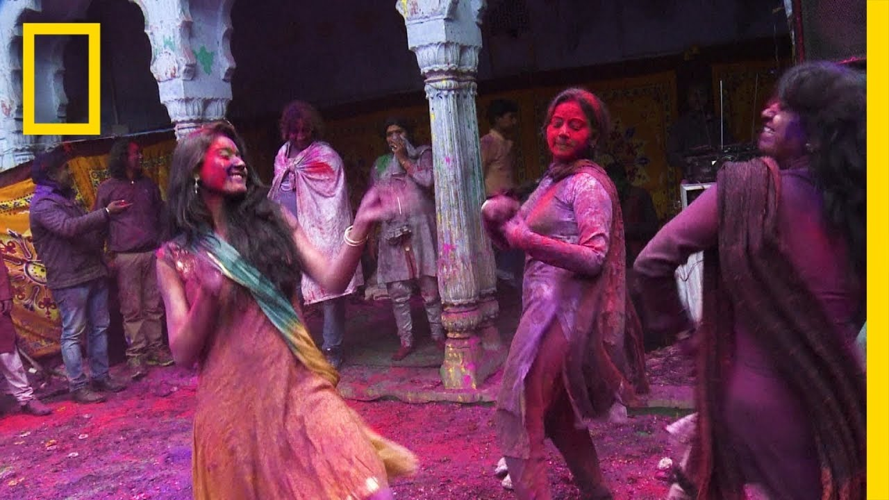 Get an Up-Close Look at the Colorful Holi Festival | National Geographic thumbnail