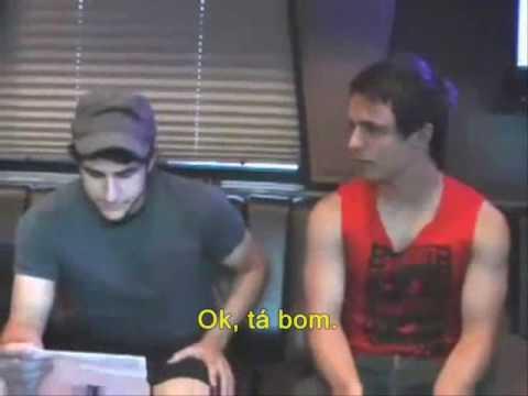 Zac Farro interviews Josh [Legendado] paramore.com.br