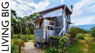 Incredible Salvaged Off-Grid Tiny House On Permaculture Farm - Video Youtube