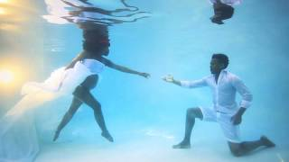An Underwater Maternity Photo Shoot With Kimberly & Carey