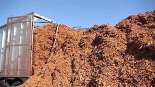 Mulch getting dropped off in the Stockyard... Time Lapse!