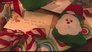 Strangers leave notes for family battling cancer before Christmas