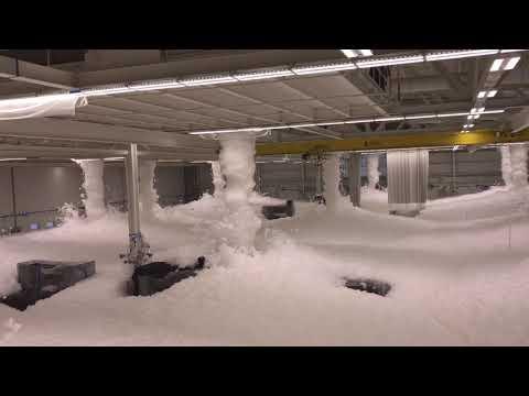 Море пены: испытание системы пожаротушения в США