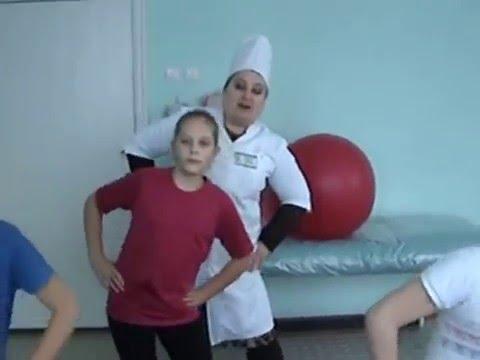 Упражнения для сохранения осанки у школьника