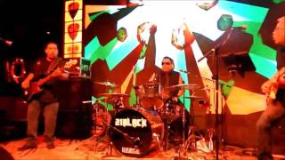 """21 Black cover of """"Running With The Devil"""" at Pick's Bar on 2/24/17"""