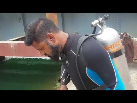 नेहर में मिली चोरी की मोटरसाइकिल