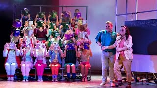 Hip Hurra   Det' Min Fødselsdag (Vi Maler Byen Rød: The Musical   Musicalteatret 2014)