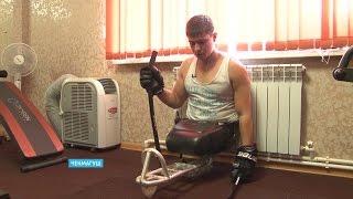 Десантник, выживший после обрушения казармы в Омской области, занялся следж-хоккеем