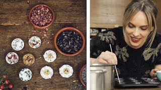 Seife mit Blütenblättern selber machen | #WirMachenWeihnachten