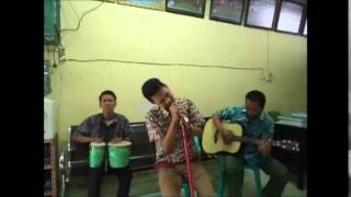 preview picture of video 'NGINTIP-Walau Habis Terang Cover by SMK MUHAMMADIYAH 5 KISARAN'
