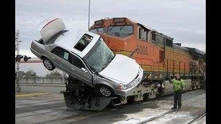 Фарш: дебилы за рулем VS поезда. Горячая подборка