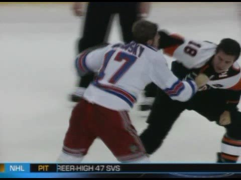 Brandon Dubinsky vs Mike Richards