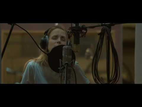 Шура Кузнецова - Молчи и обнимай меня крепче  (Live со струнным оркестром)