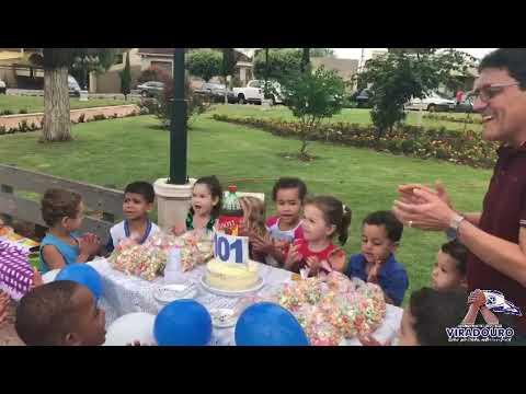 Crianças Fazem Homenagem aos 101 anos de Viradouro