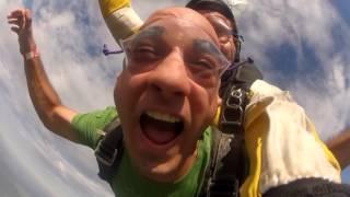 preview picture of video 'Salto en paracaídas - Skydivecenter Chascomus'