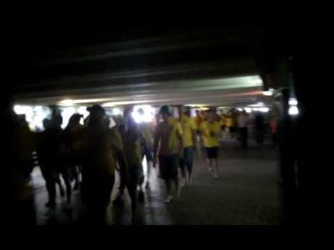На Майдане проходят марши шведских фанатов (видео)(обновленные)