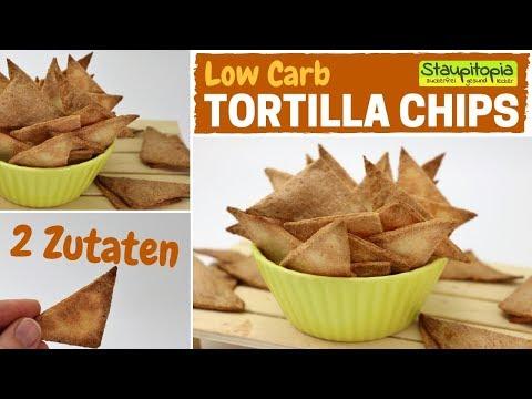 So machst du Low Carb Tortilla Chips aus nur 2 Zutaten!