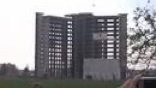 preview picture of video 'implosione a san giuliano milanese: demolizione ecomostro'