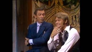 Mel Tillis & Glen Campbell  - The Glen Campbell Goodtime Hour (11 Jan 1972) - Dog Trainer