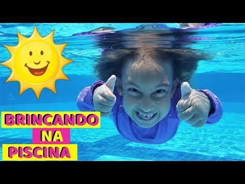 , title : 'Maria Clara brincando na PISCINA - MC Divertida'