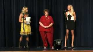 Carrie Underwood's Suprise For A Hometowm High School