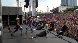 "Tate Stevens - ""Holler if You're with Me"" LIVE at CMA Fest"