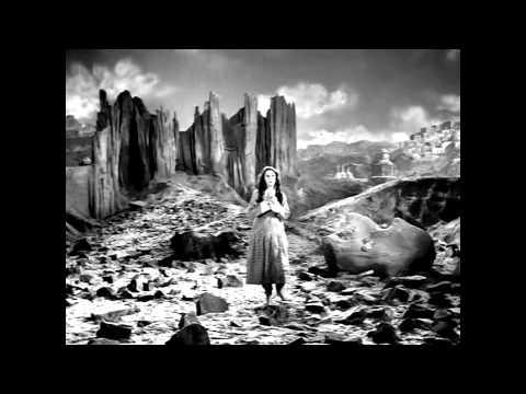 Zara Si Aahat Hoti Hai --kahin yeh woh to nahin - Lata Mangeshkar