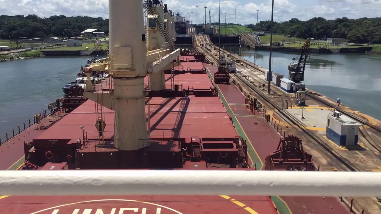 Проход через Панамский канал в ускоренной перемотке