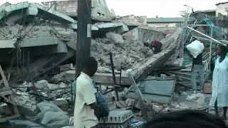 preview picture of video 'HAITI,  12 JANVIER 2010, EARTHQUAKE.  7.3  PORT-AU-PRINCE'