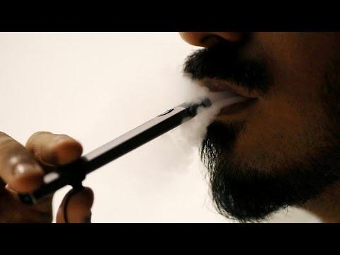 العرب اليوم - شاهد: العلماء يحاولون حل لغز أمراض غامضة مرتبطة بالسجائر الإلكترونية