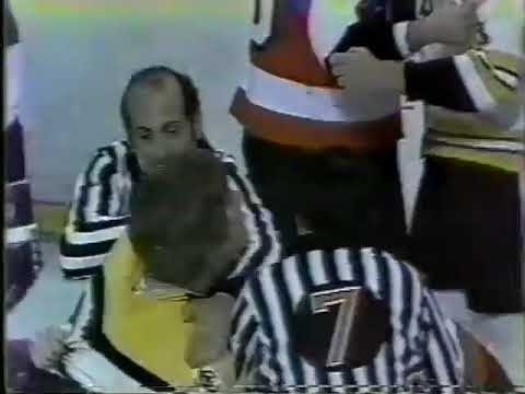 Terry O'Reilly vs Andre Dupont
