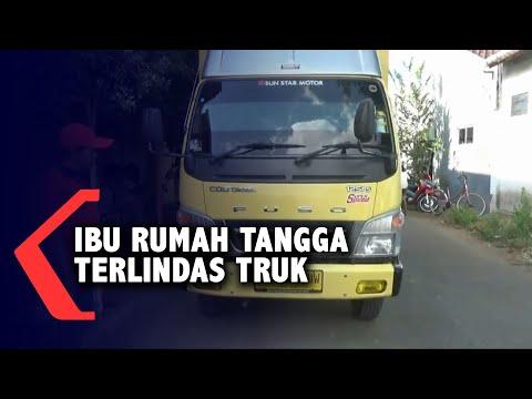 jatuh dari motor ibu rumah tangga tewas terlindas truk bapak dan anak selamat