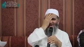 موقف طريف للشيخ مشهور حسن آل سلمان مع الإمام الألباني رحمه الله في مسألة تشبه النساء بالرجال