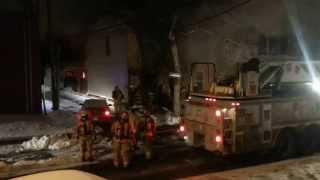 preview picture of video 'Incendie au rue Desmarteux, Montreal, QC, CA'