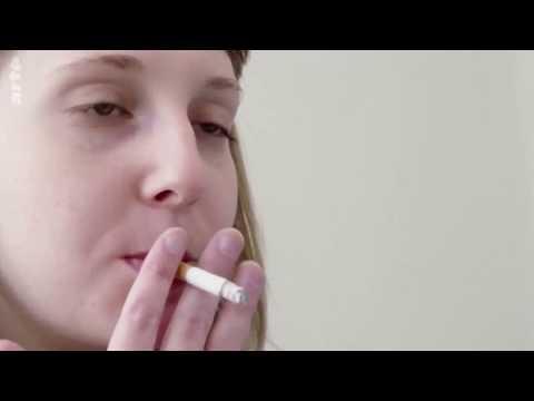 Hat die schädlichen Gewohnheiten raucht