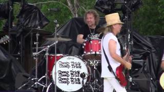 Cheap Trick - Ain't That A Shame (Wanee 2015)