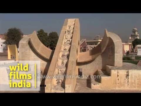 Visitors at Jantar Mantar - Jaipur, Raja