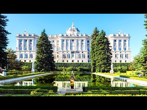 14 Massive and Magnificent Palaces Around the Globe
