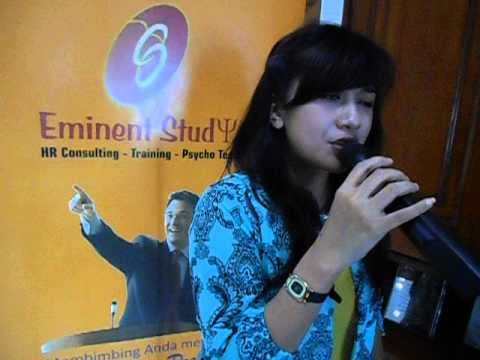 Video LATIHAN MC DENGAN BAHASA INGGRIS - EMINENT STUDY