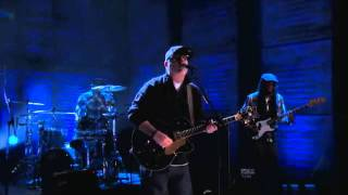 "Everlast - ""I Get By"" (Live on Conan 01/03/2012)"