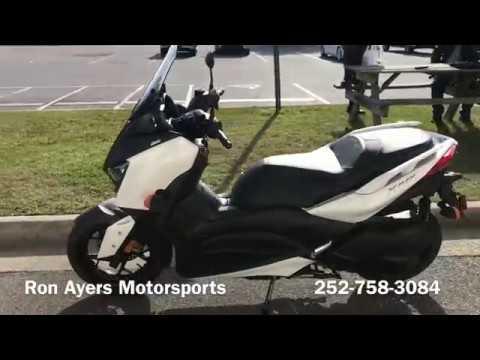 2018 Yamaha XMAX in Greenville, North Carolina
